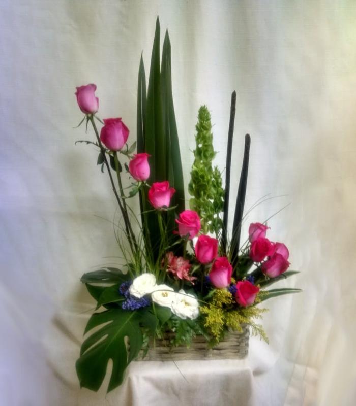 Arreglo Floral Rosas Fiusha Con Hoja Elegante