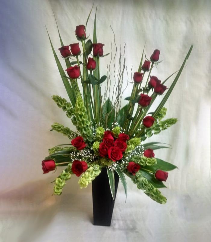 Arreglo Floral Rosas Rojas Campanita Carly
