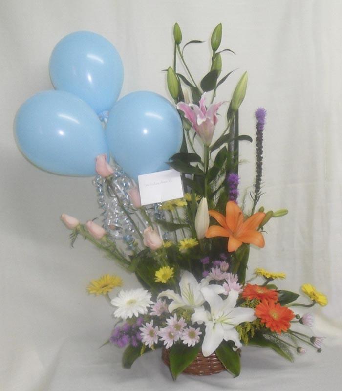 Arreglo Flores Variadas Con Globos Azules